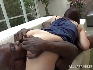 Daring Japanese babe gets her twat stretched out with a big